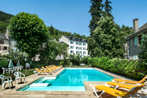 piscine Meyrueis Hôtel Family & Spa