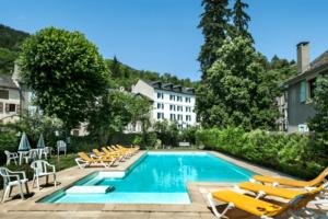 piscine Meyrueis Hôtel Family & Spa