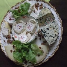 Plateau de fromage local Meyrueis Hôtel Family & Spa